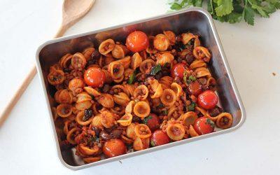 Orecchiette met tomaten, olijven en kappertjes