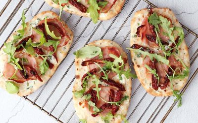 Super snelle naanbrood pizza's