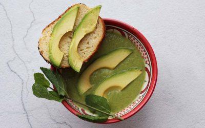 Courgette-avocado soep