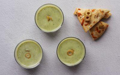 Broccoli-courgettesoep met olijven