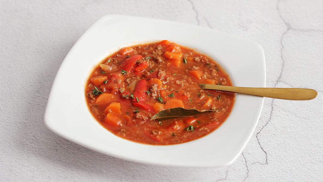 3. Goulash soep