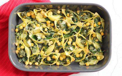 Gevulde pastaschelpen met spinazie en pesto
