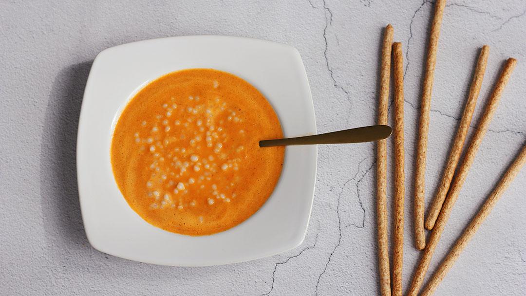 3. Tomaat-paprikasoep met parelcouscous