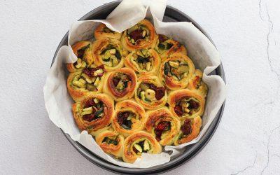 Croissantrolletjes met zelfgemaakte pesto