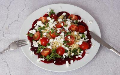 Rode bietensalade met geitenkaas