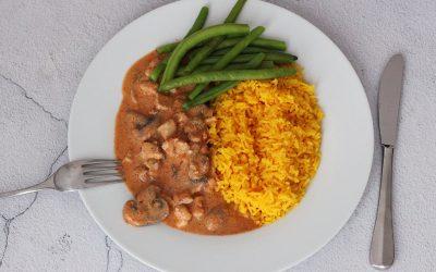 Kleurrijke kip curry