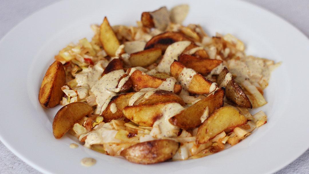 Pittige spitskool aardappel bowl