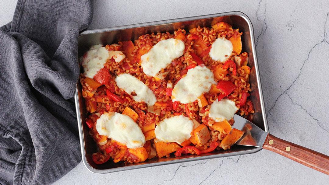 Macaroni ovenschotel met pompoen en mozzarella