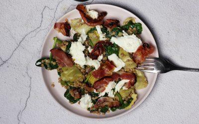 Parelcouscous met mozzarella, pancetta en artisjok