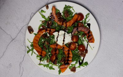 Salade met burrata en gegrilde pompoen